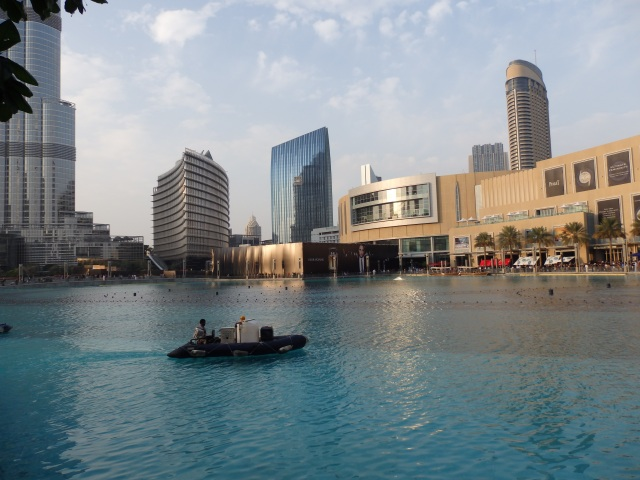 Artificial Lake, Dubai Mall